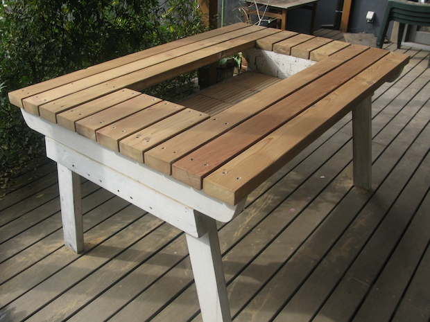 DIYでオリジナルのバーベキューテーブルを作ってみよう! - IZILOOK