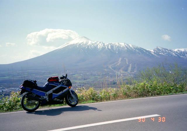 アスピーテラインから岩手山を望む