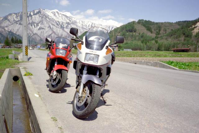 信州・GPZ1000RXとFJ1200