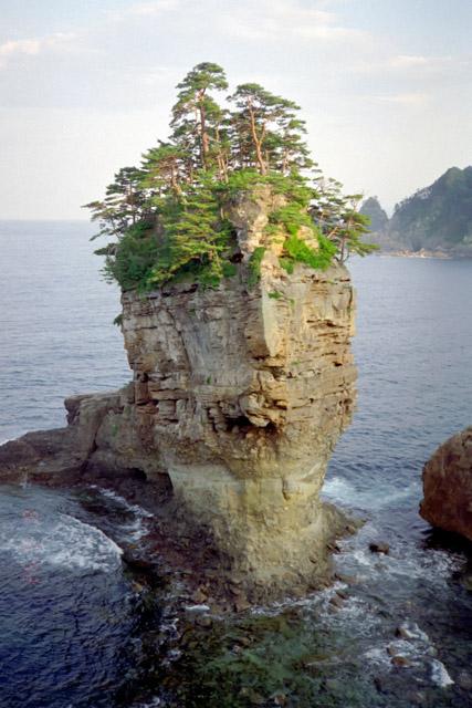 三陸海岸・山王岩