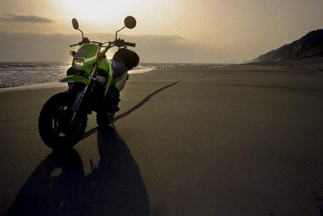遠州灘と砂浜とKSR-II