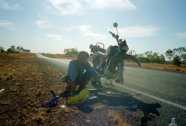 バイクのパンク修理