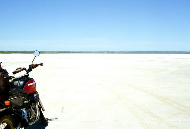 オーストラリア南西部の塩湖