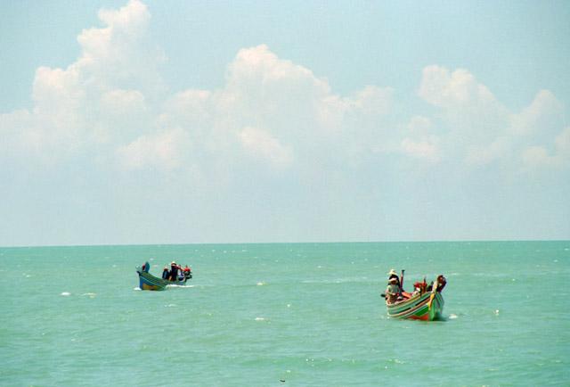 マレーシアの漁村にて
