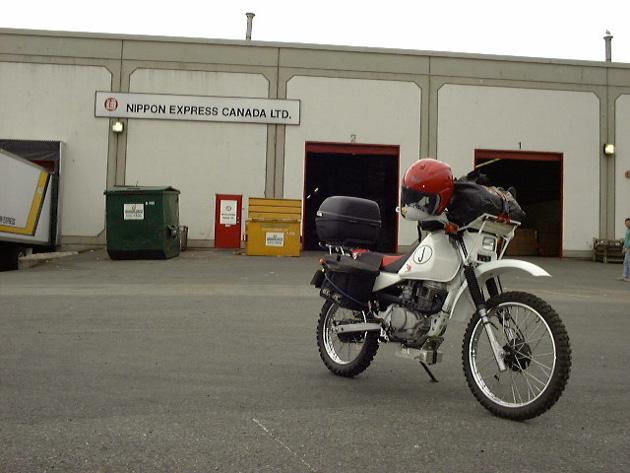 日本通運カナダで受け取ったバイク