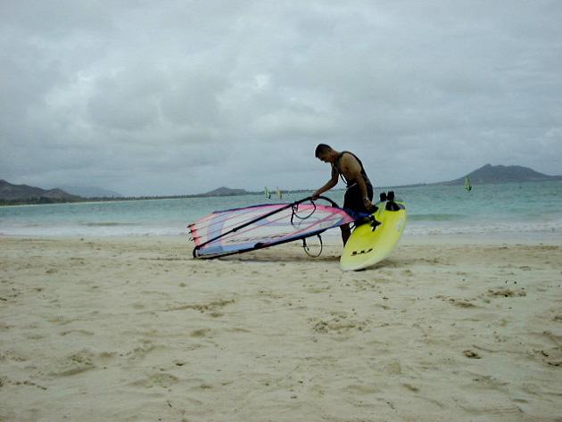 ウインドサーフィンをする友達
