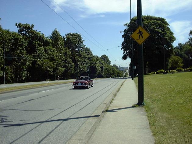 カナダの町の道路
