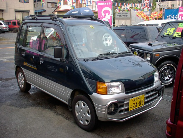 ダイハツ ムーブ (4WD / 5MT)