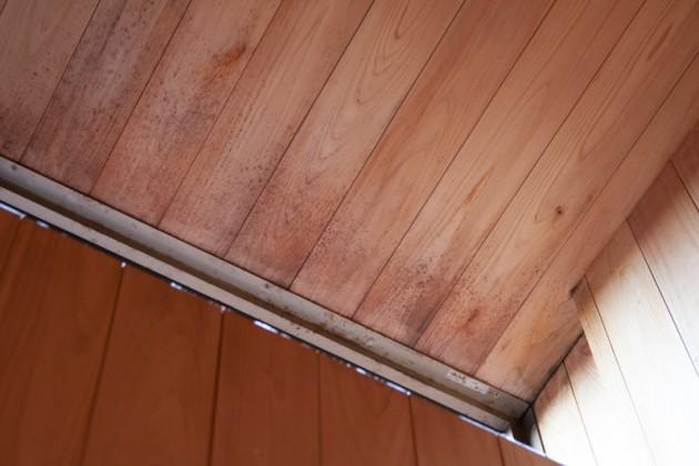 漂白したお風呂場のヒノキの天井