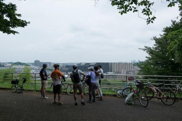 鶴見川を見下ろせる太尾見晴らしの丘公園