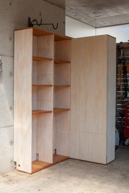 書棚をリメイクして作るガレージ用の棚