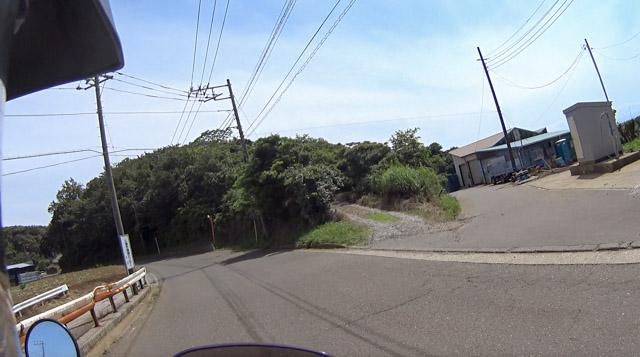 岩堂山への入口