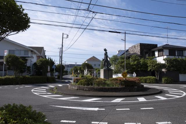 横浜市金沢区の環状交差点