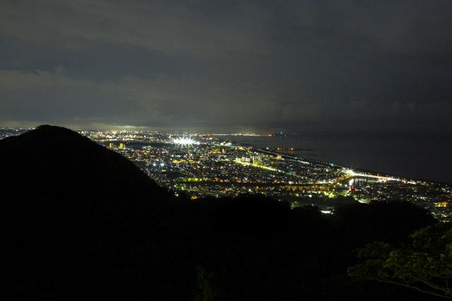 湘南平の平塚・藤沢方面の夜景