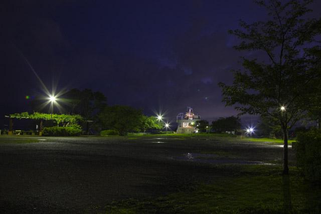 湘南平の広場とレストハウス