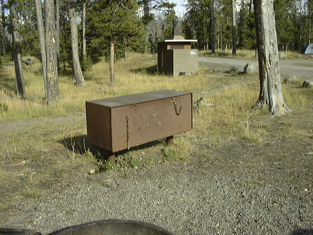 クマ対策の食料保管庫(ロッカー)