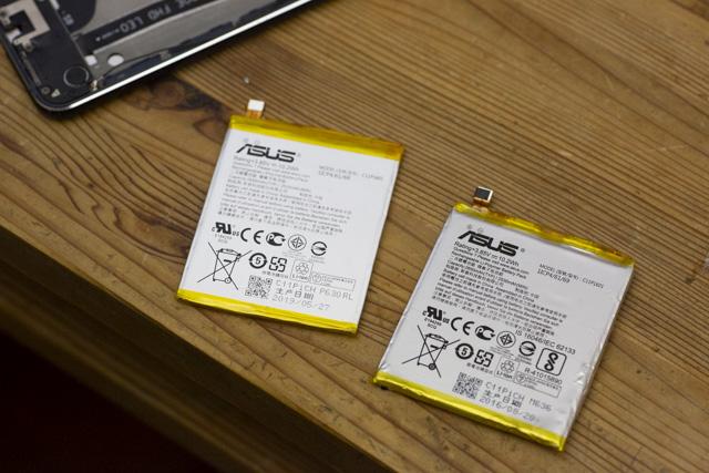 Zenfone3の新しいバッテリーと外したバッテリー