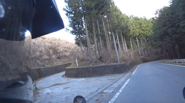 道志の林道・道坂菜畑線の入口