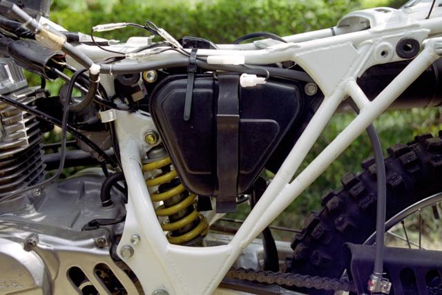 XR100Rアドベンチャー仕様・ガソリン取り出し口