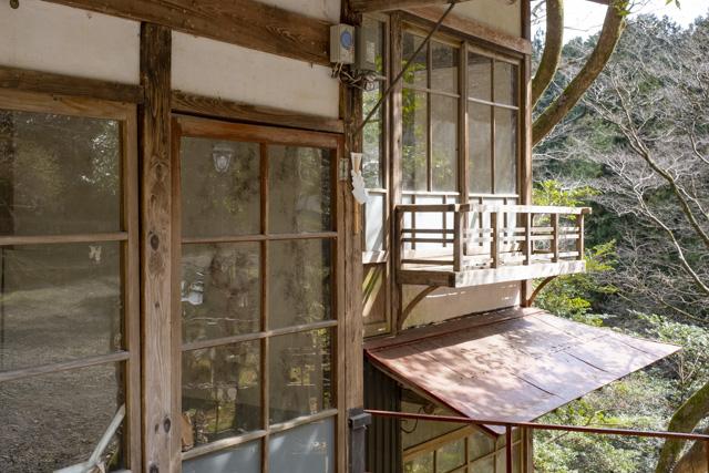秩父御嶽神社・東郷公園の和な建物