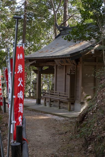 秩父御嶽神社・東郷公園の三笠山神社
