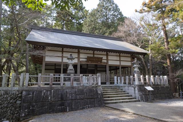 秩父御嶽神社・東郷公園の本殿