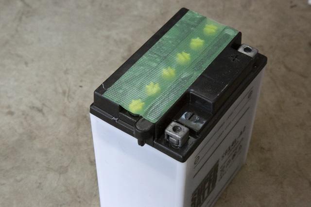 スーパーナット(SUPER NATTO)開放型バッテリー取り付け