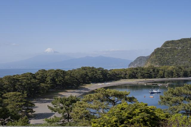 戸田の御浜岬と富士山の絶景