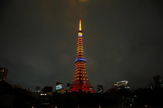 五輪カラーの東京タワー(黄色一色バージョン)