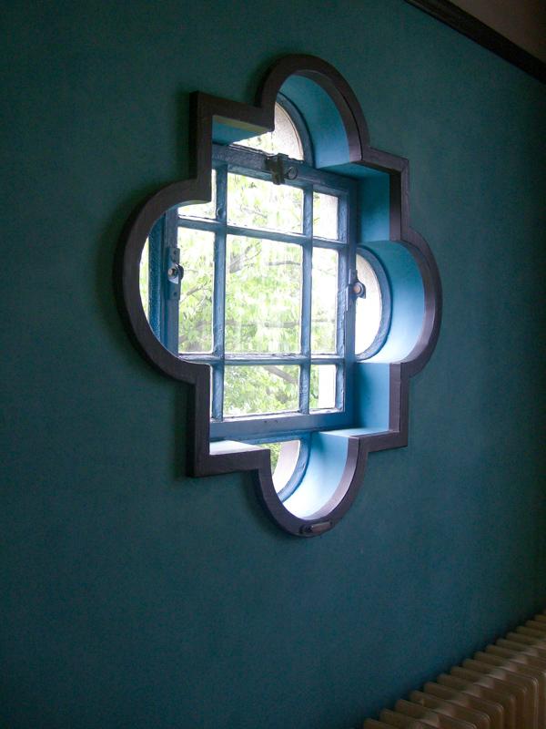 横浜山手西洋館・べーリックホールの令息寝室の窓