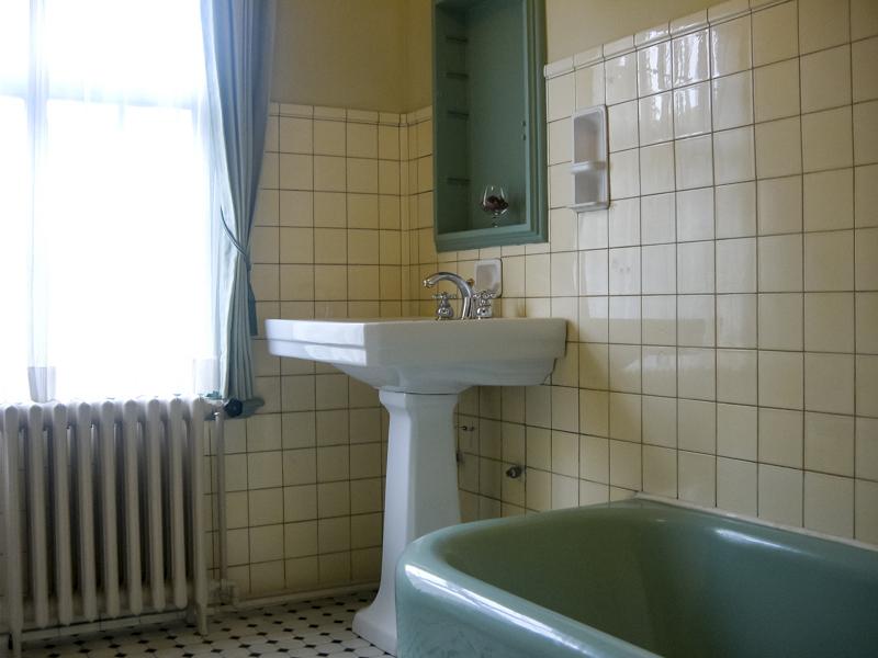 横浜山手西洋館・べーリックホールの夫人寝室のバスルーム