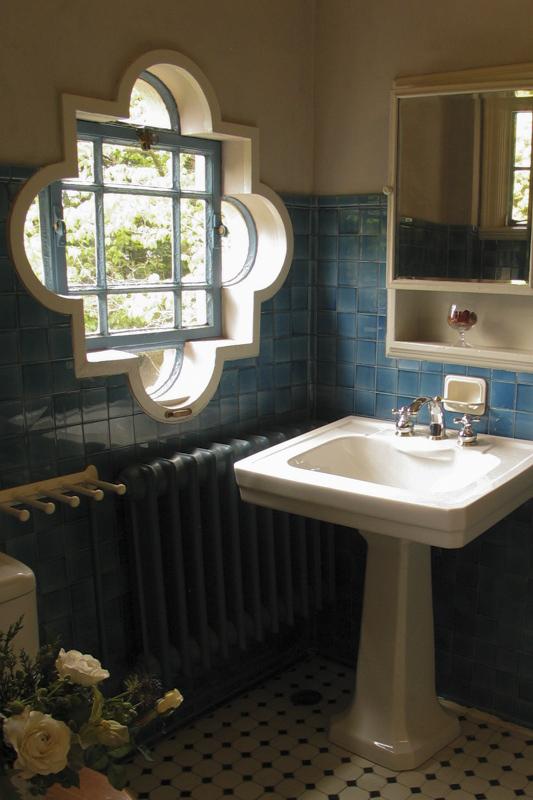 横浜山手西洋館・べーリックホールの客用寝室のバスルーム