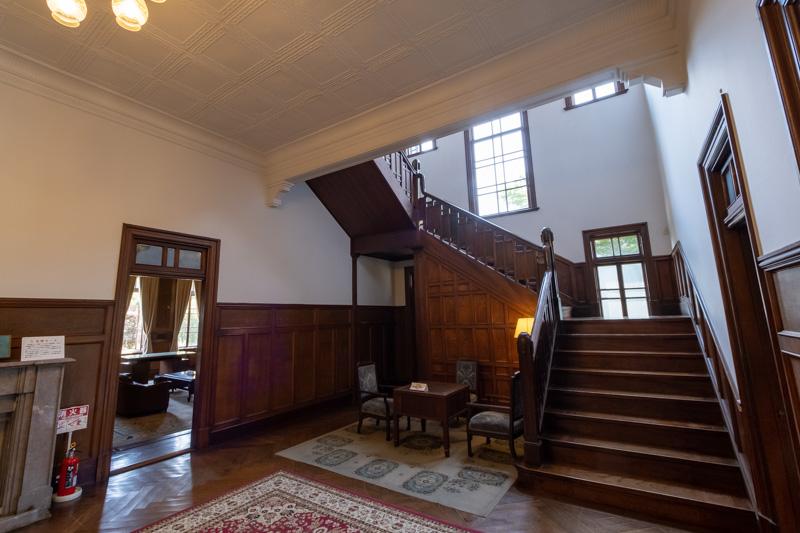 旧石川組製糸西洋館の玄関ホール