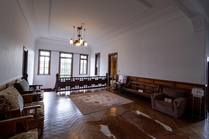 旧石川組製糸西洋館の2階ホール