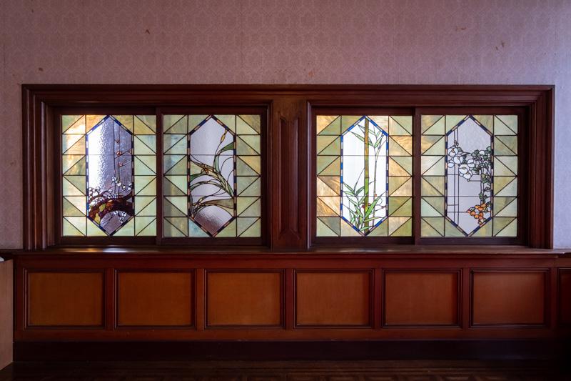 旧石川組製糸西洋館のステンドグラス
