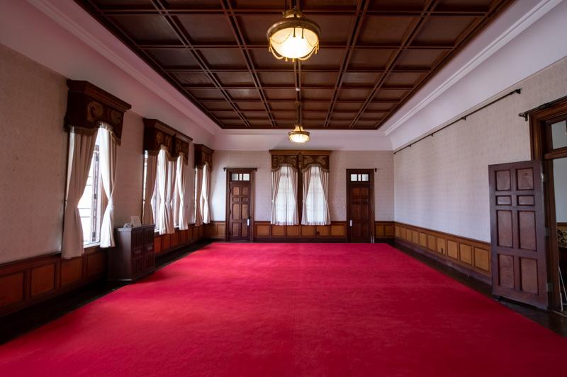 旧石川組製糸西洋館の大広間