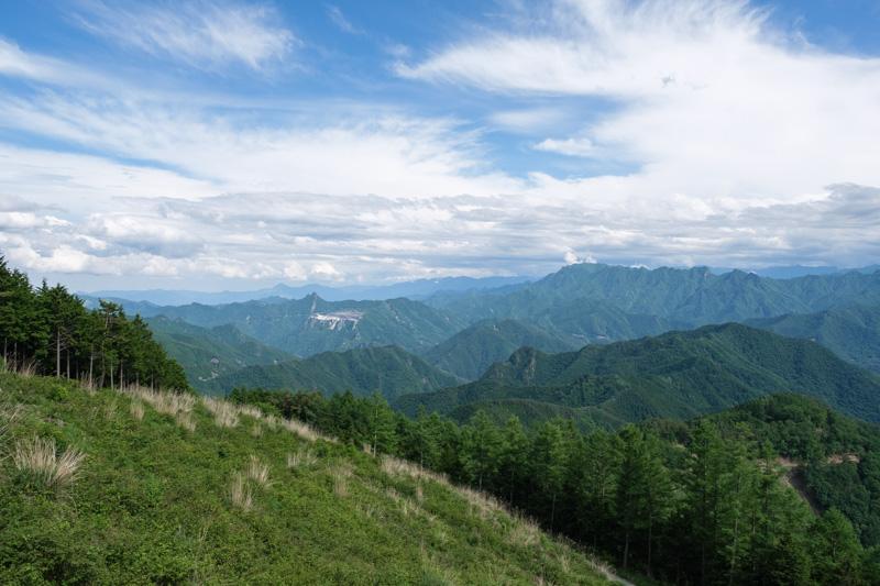 御荷鉾スーパー林道の展望台からの眺め