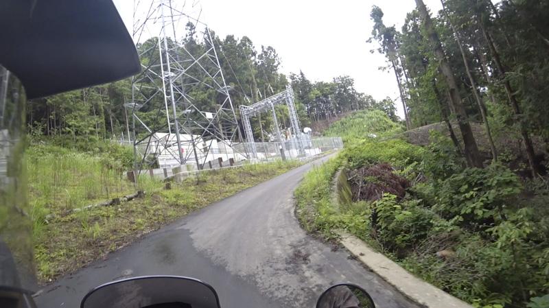 林道 根際線の変電所