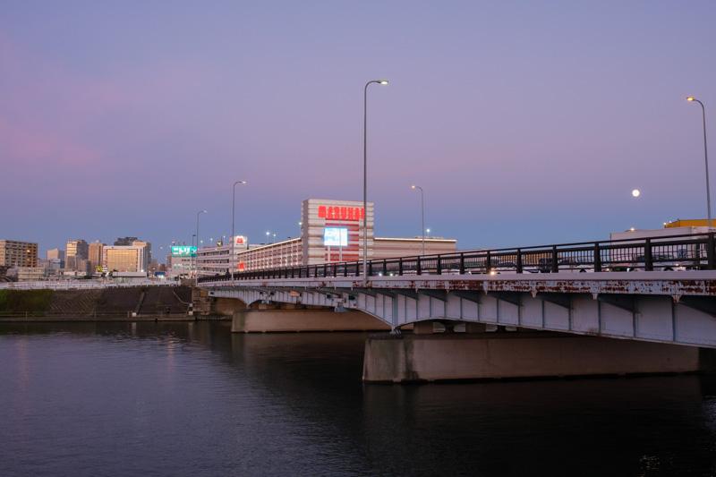 国道1号線・新鶴見橋