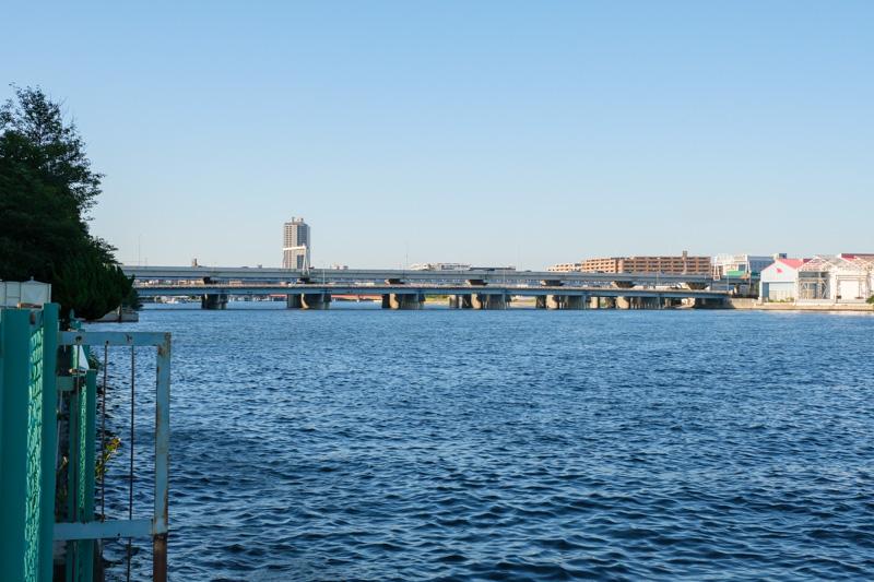 鶴見大橋と臨海高速鶴見川橋
